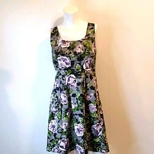 Apt. 9 Floral Rose Pleated Dress. Size 8